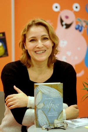 Nina Blazon in der Kinder- und Jugendbibliothek